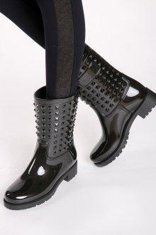 Резиновые ботинки с клепками