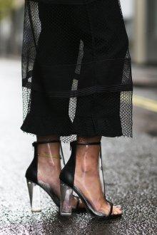 Резиновые ботинки с открытым носком