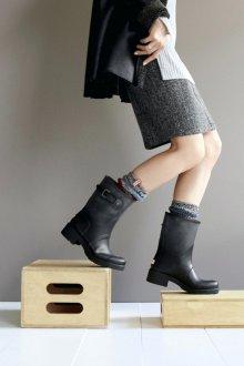 Резиновые ботинки с юбкой