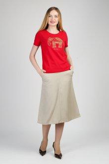 Красная футболка с этническим рисунком