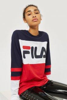 Красная футболка Fila