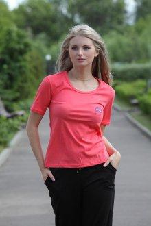 Красная футболка коралловая