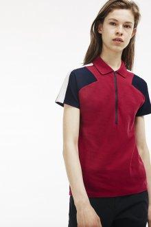 Красная футболка модного кроя