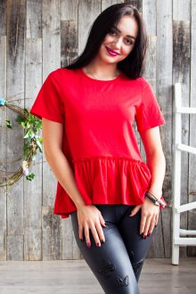 Красная футболка с оборками