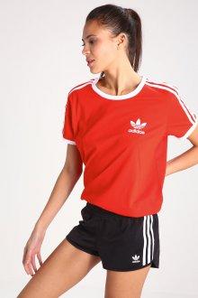Красная футболка спортивная с логотипом