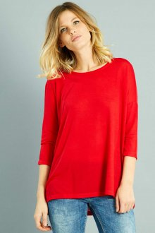 Красная футболка с рукавом три четверти