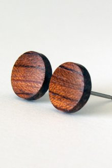 Серьги гвоздики деревянные