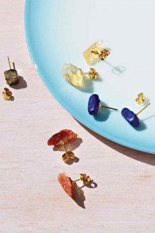 Серьги гвоздики из натуральных камней