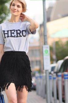 Юбка с футболкой черная с бахромой