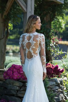 Свадебное платье рыбка с кружевной спиной