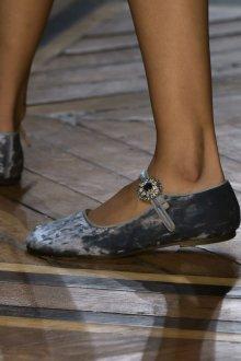Серые туфли бархатные
