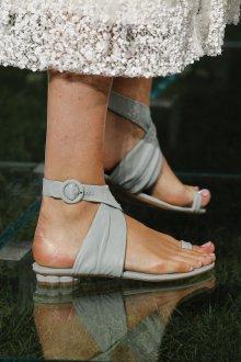 Серые туфли босоножки кожаные