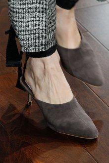 Серые туфли красивые