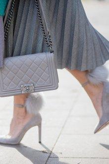 Серые туфли с мехом