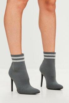 Серые туфли носки