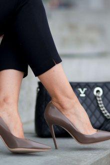Серые туфли однотонные