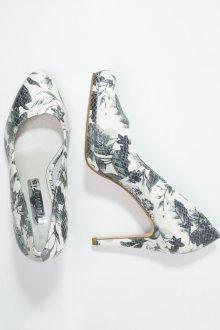Серые туфли с принтом