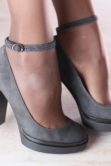 Серые туфли простые