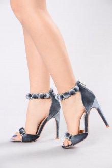 Серые туфли на ремешке
