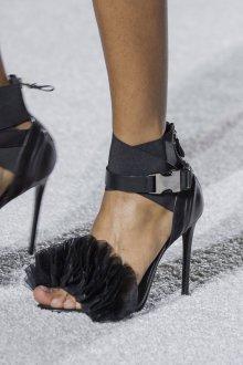 Серые туфли с резинкой