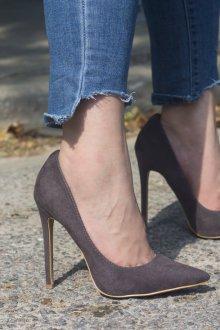 Серые туфли темные