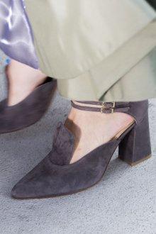 Серые туфли велюровые