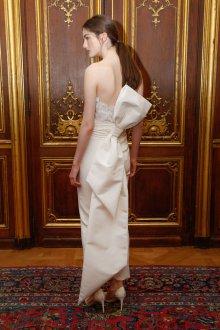 Свадебное платье айвори с бантом