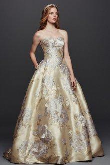 Свадебное платье айвори с крупным рисунком