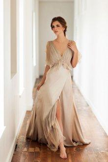 Свадебное платье айвори с разрезом