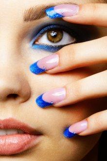Синий маникюр френч