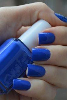Синий маникюр однотонный на квадратные ногти