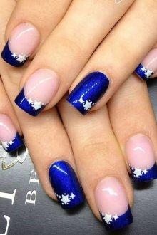 Синий маникюр со звездами