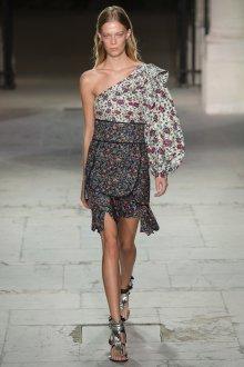 Блузка с цветами асимметричная