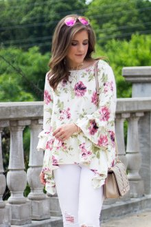 Блузка с цветами фиолетовыми