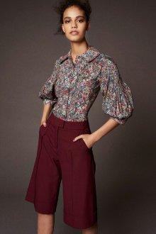 Блузка с цветами и рукавами фонариками