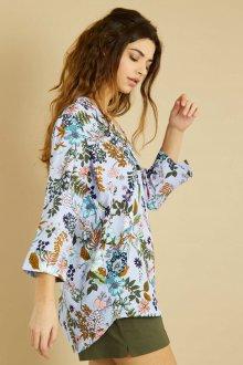 Блузка голубая с цветами