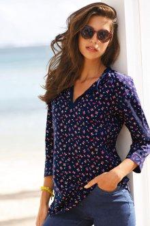Блузка с цветами мелкими