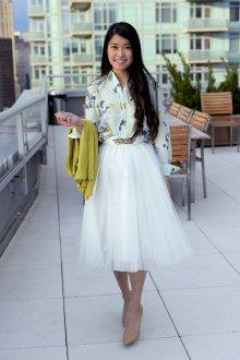 Блузка с цветами праздничная