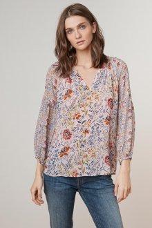 Блузка с цветами прямая
