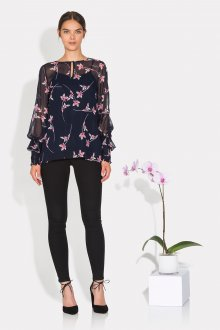 Блузка с цветами шифоновая