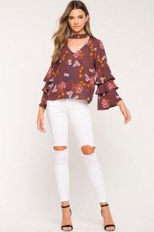 Блузка с цветами тенденции