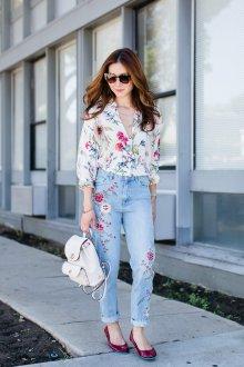 Блузка с цветами тренды