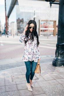 Блузка туника с цветами