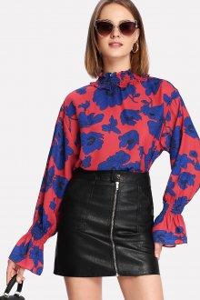Блузка с цветами и воротником