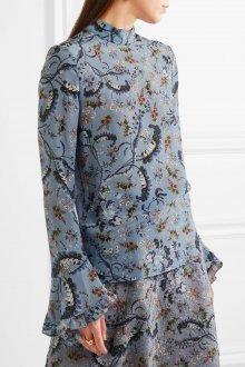 Блузка с цветами закрытая