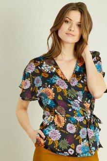 Блузка с цветами с запахом