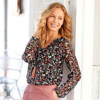 Блузка с цветами женская