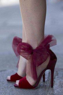 Бордовые туфли бархатные