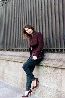 Бордовые туфли с брюками