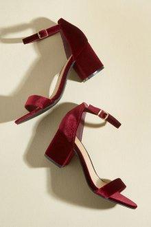 Бордовые туфли на квадратном каблуке
